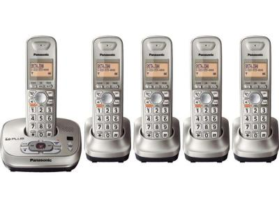 Panasonic kx-tg4025n five handset cordless phone  220-240 volts 50/60 hz