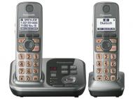 Panasonic KXTG4742 NEW! Expandable Digital Cordless Answering System with 2 Handsets 220 Volt/ 50 Hz