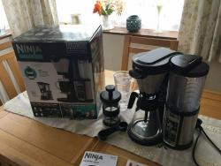 Ninja Coffee Bar CF060UK Auto-iQ Brewer with Glass Carafe –220 VOLTS (NOT FOR USA)
