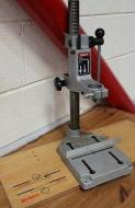 Milwaukee DE38E Magnetic Drill Press Stand Compact Engine 220-240 Volt 50-60 Hz