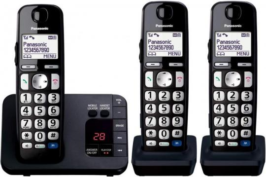 Panasonic KX-TGE723EB Cordless Telephone & Digital Answering Machine Trio Handset 220 volts NOT FOR USA