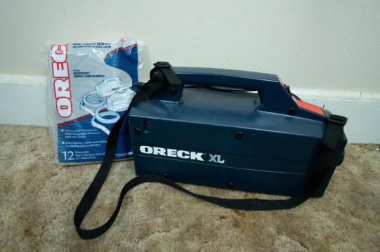 Oreck BB870ED Compact Canister Vacuum Cleaner 220 VOLTS NOT FOR USA