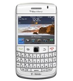 BlackBerry 9780 Bold White Unlocked Quad Band GSM SmartPhone - 3G HSDPA 900 / 1700 / 2100 - 5+ Megapixel Camera