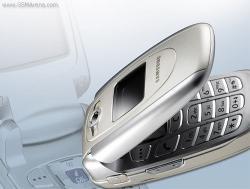 SAMSUNG SGH-E620 UNLOCKED TRIBAND BLUETOOTH GSM PHONE