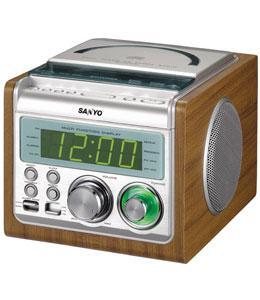 SANYO RM-XCD900 CD/FM/AM CLOCK RADIO 230 volt